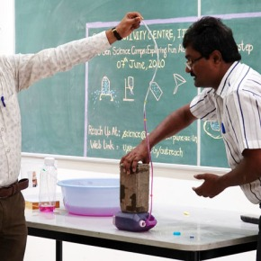 Science Activity Centre Conducts First Online Demonstration for School Students andTeachers